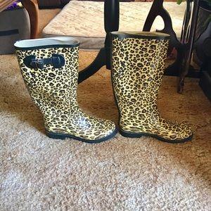 Shoes - Women's cheetah print rain boots